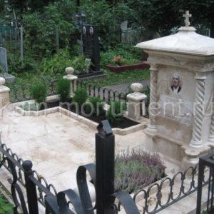 Мемориальный комплекс. Мрамор DAINO REALE. Кованная ограда, 2008г.