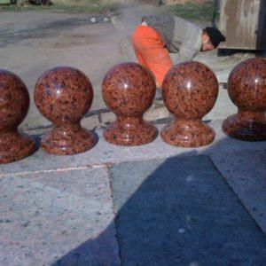 Шары из гранита для памятников