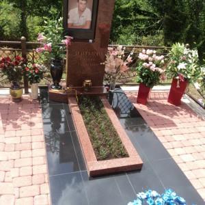 Памятник из гранита 0000479