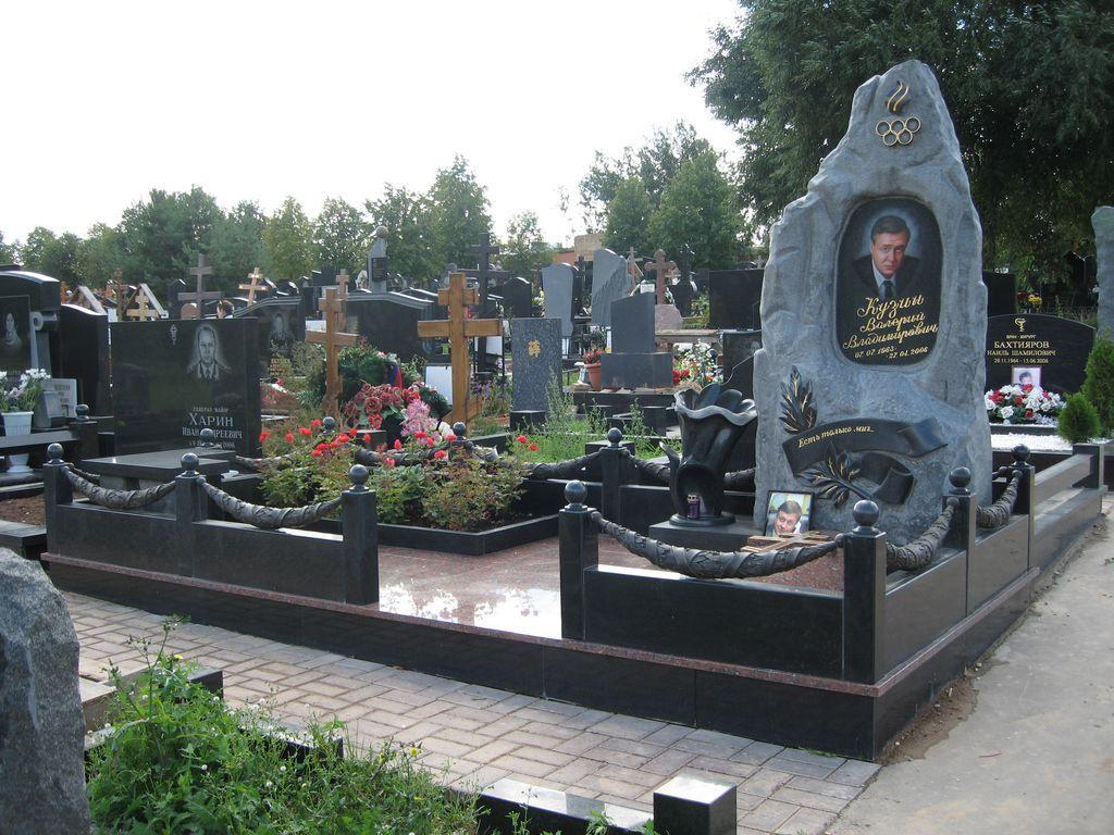 Памятники элитные о сахалин купить памятник фото и цены Жуковский