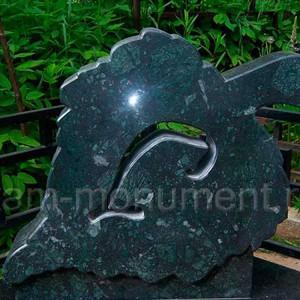 Памятник из серпентинита Верде Гватемала
