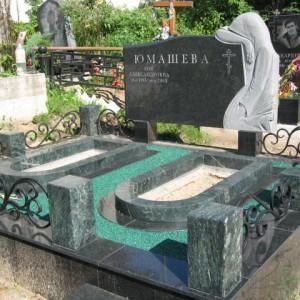 Надгробный памятник 0000470