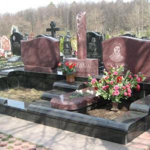 Надгробный памятник 0000471